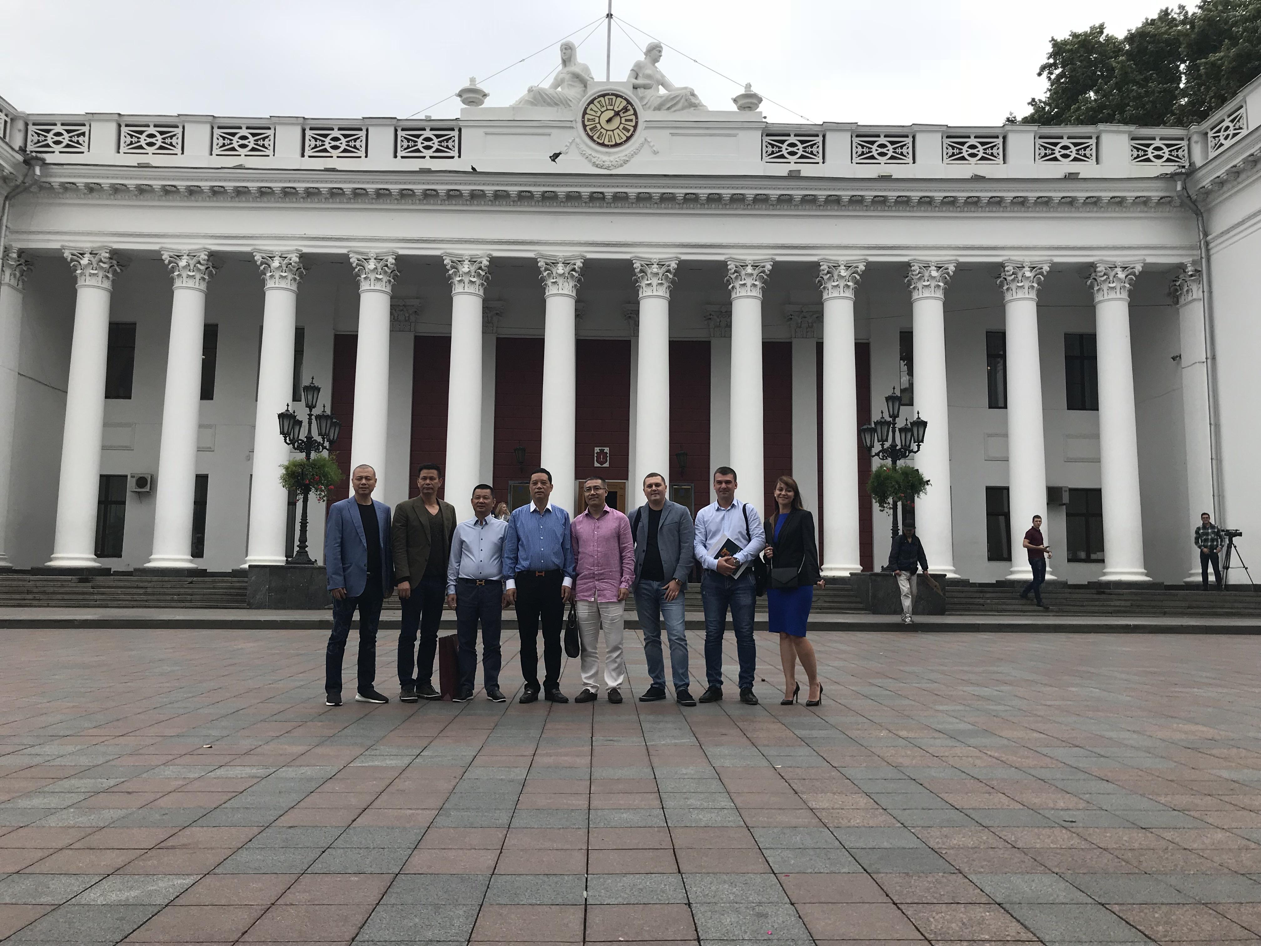 Визит делегации из Китая в Одессу и УК Суворовский